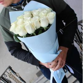 Арт. 0014. Роза 50-60см 17шт, матовая пленка, атласная лента