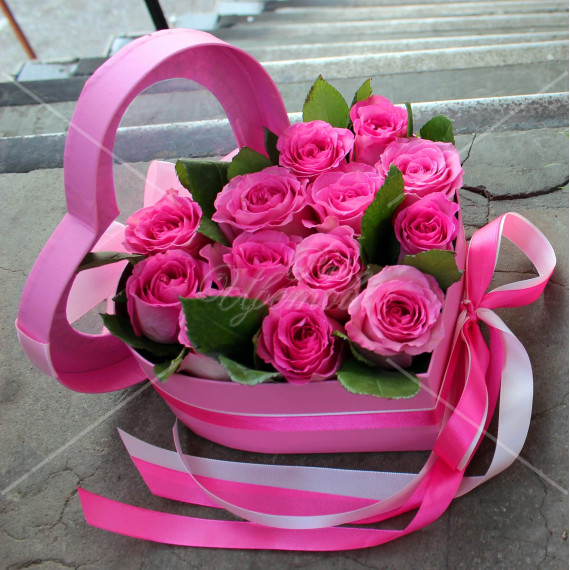 "Арт. 0300. Роза 50см 15шт, коробка ""сердце"", атласная лента"